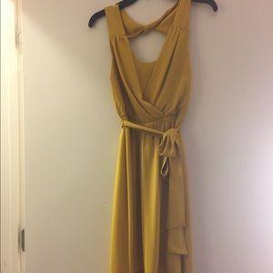 Express yellow dress size xs